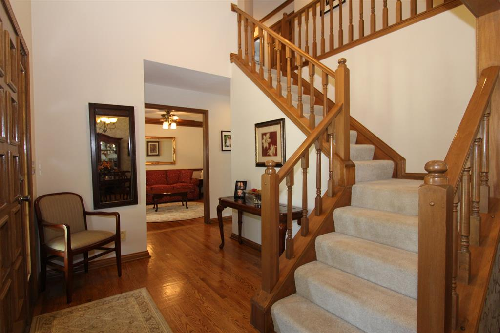 Foyer for 540 Garden Way Edgewood, KY 41017