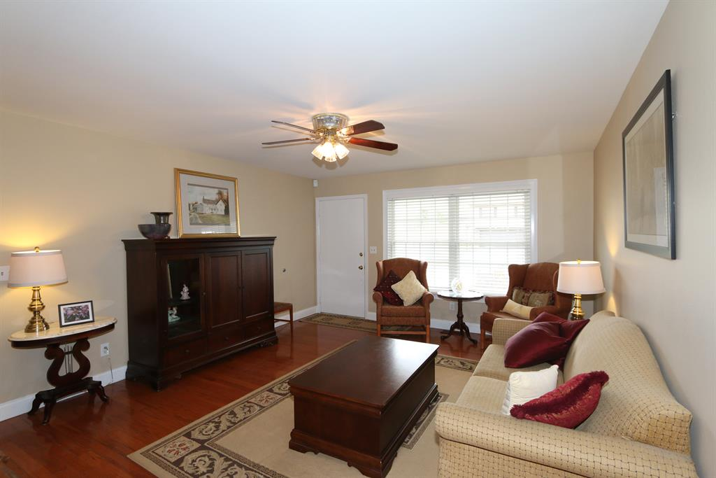 Living Room for 867 Heincke Rd West Carrollton, OH 45449