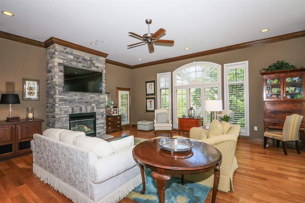 Living Room for 783 Woodside Dr Villa Hills, KY 41017