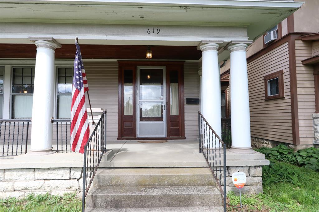 Entrance for 619 Forest Ave Dayton, OH 45405