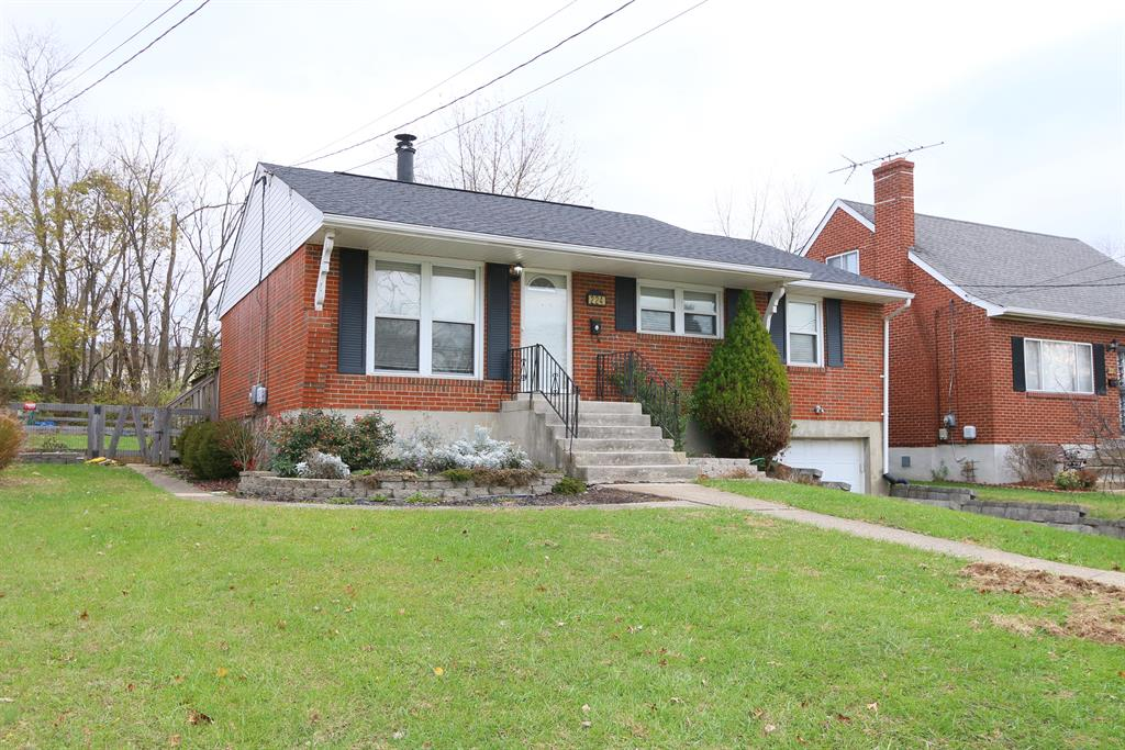 Exterior (Main) for 224 Caldwell Dr Elsmere, KY 41018