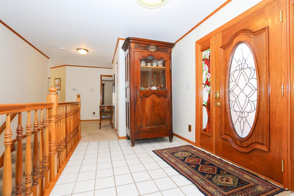 Foyer for 10890 Mockernut Dr Harrison Twp, OH 45030
