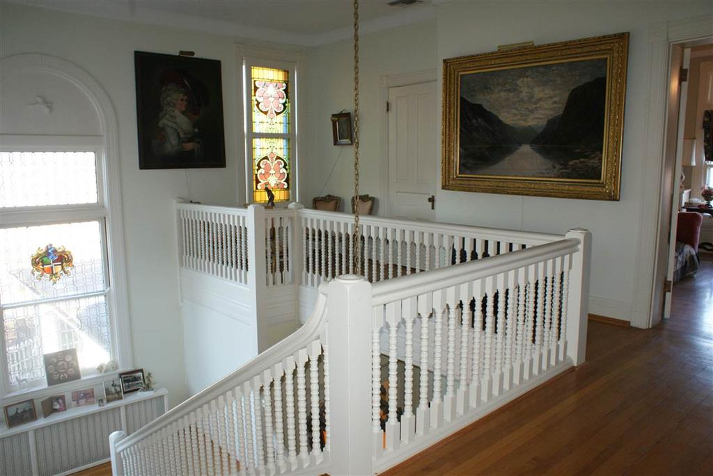 Foyer image 2 for 911 S Fort Thomas Ave Fort Thomas, KY 41075