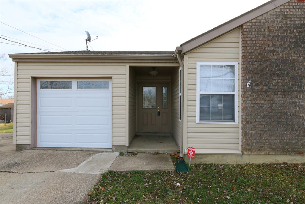 Entrance for 7676 Ironbridge Ct Florence, KY 41042
