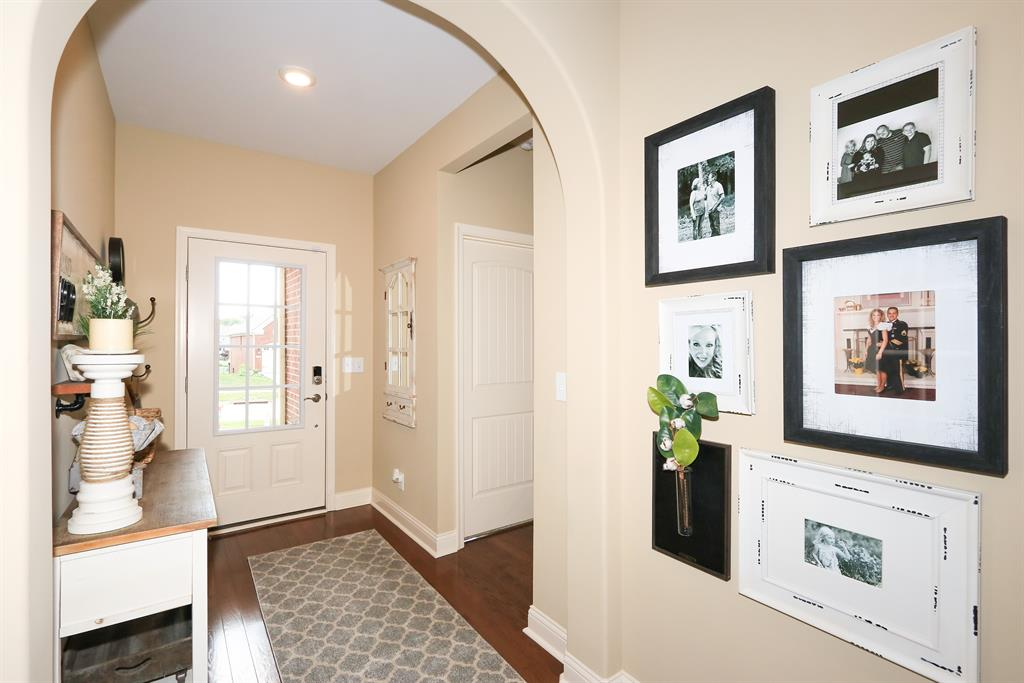 Foyer for 1537 Sweetsong Dr Union, KY 41091
