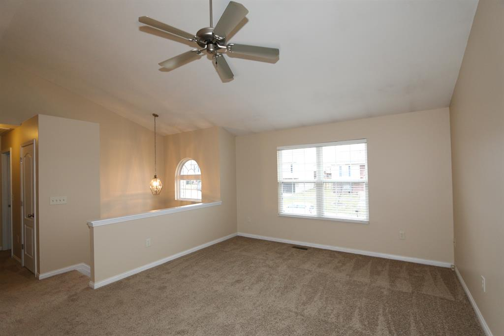 Living Room for 619 Branch Ct Independence, KY 41051