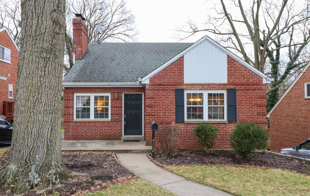 4112 Paxton Woods Dr Oakley, OH