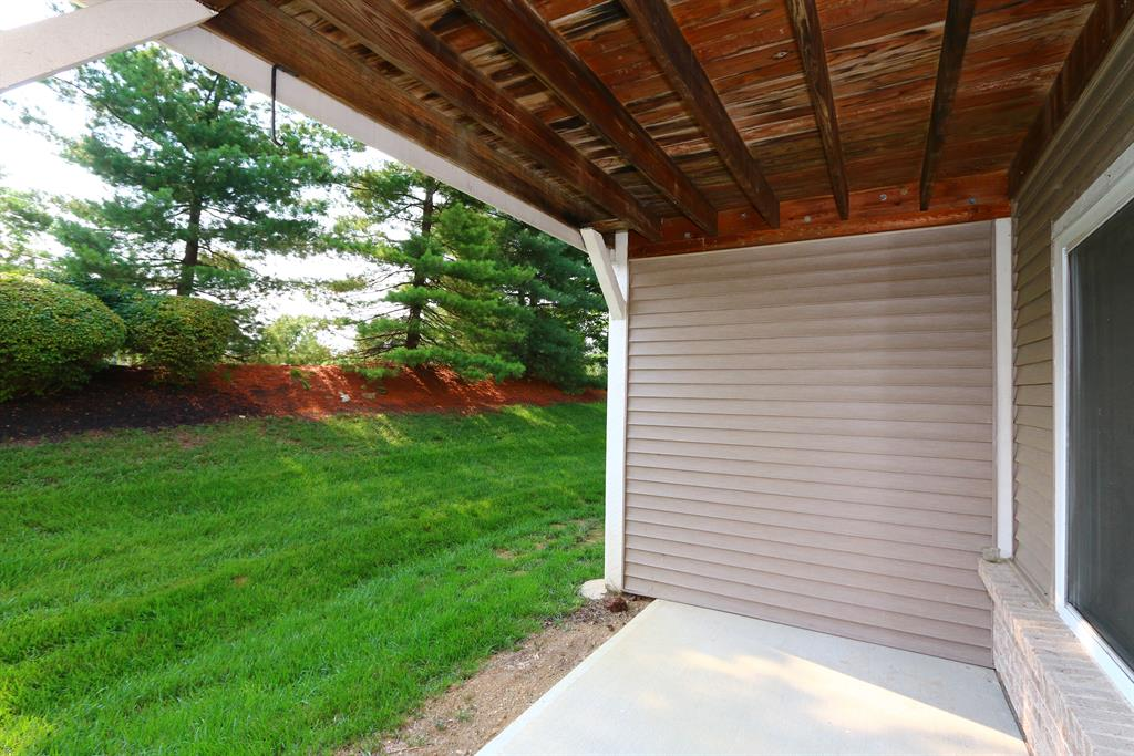 Patio for 2256 Devlin Pl, 102 Crescent Springs, KY 41017