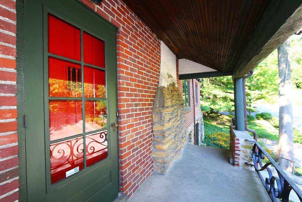 Entrance for 1049 Montague Rd Park Hills, KY 41011