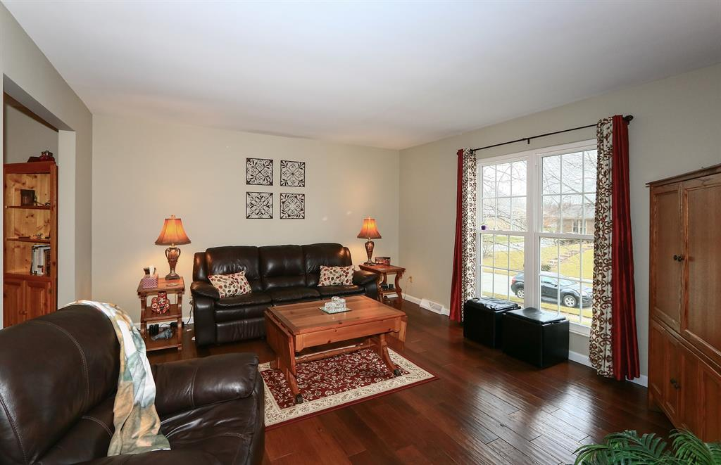 Living Room for 2731 Surfside Dr Villa Hills, KY 41017
