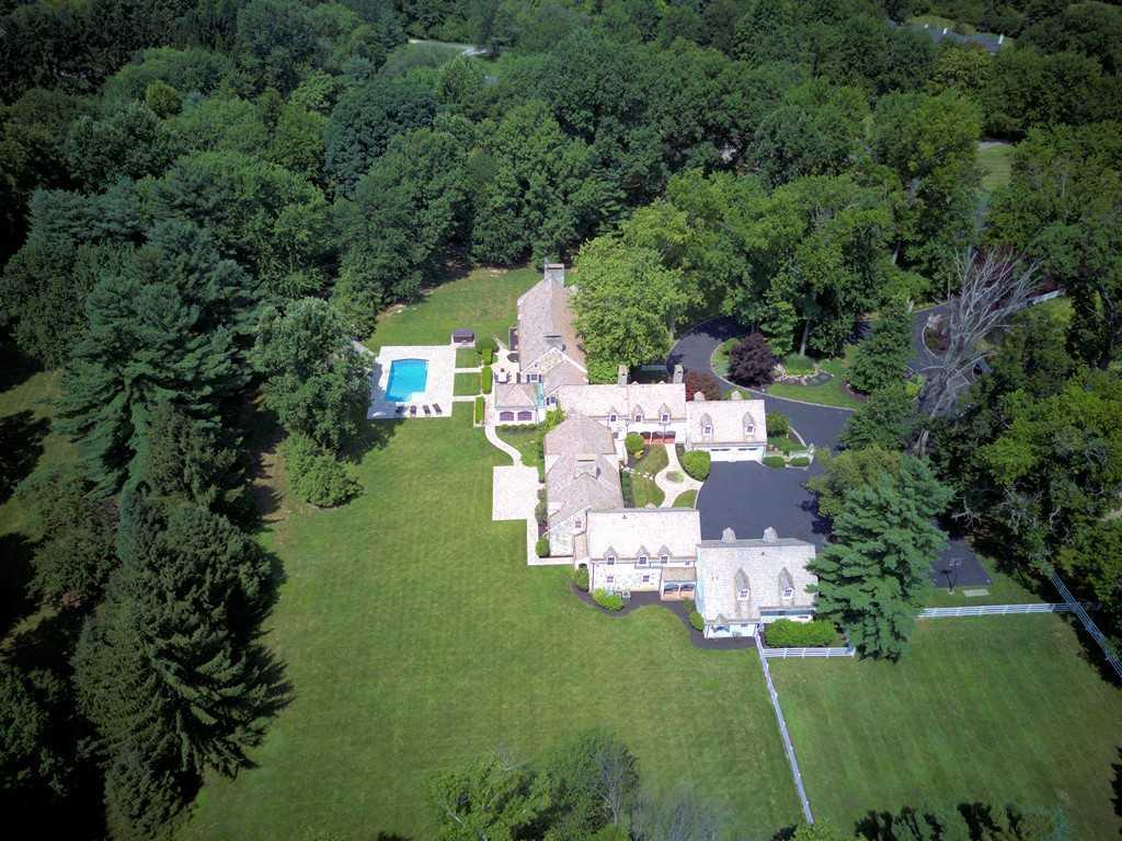 8065 Spiritwood Ct Indian Hill, OH