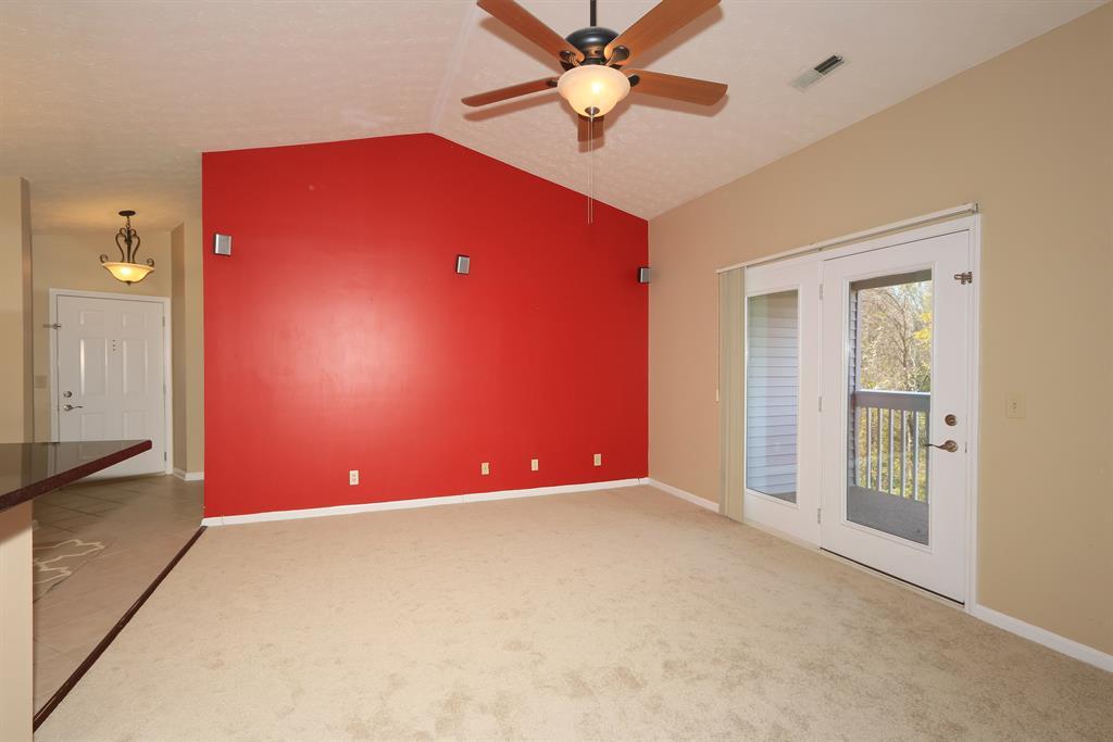 Living Room for 205 Cave Run Dr, 12 Erlanger, KY 41018