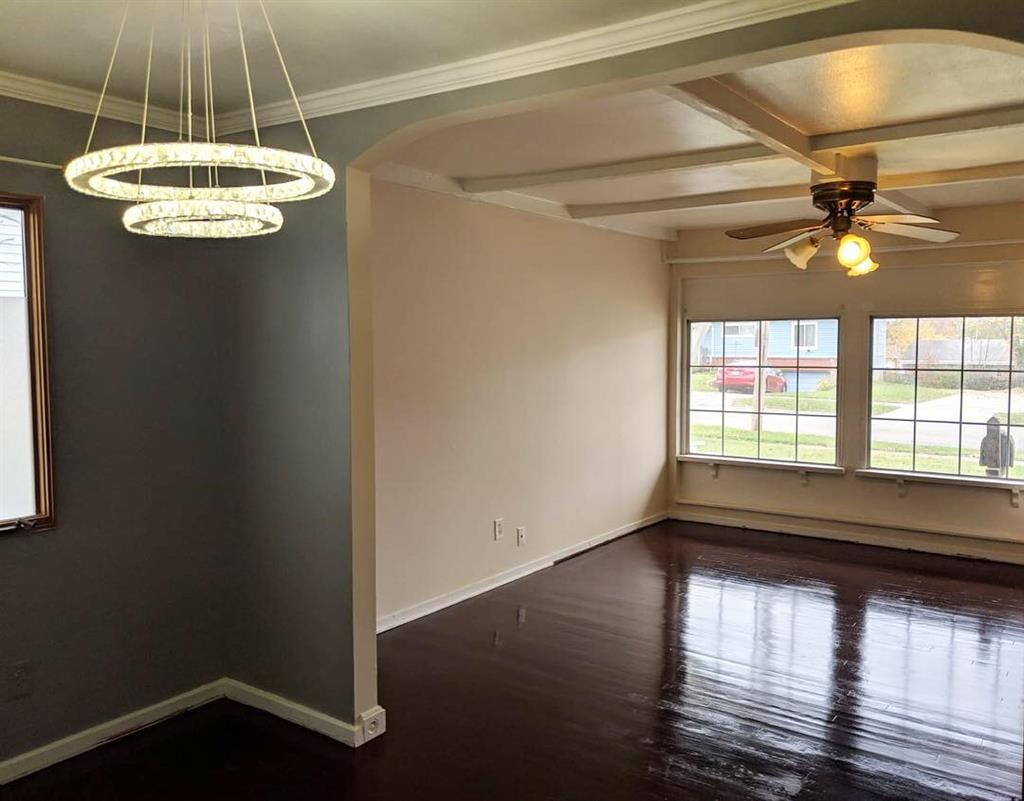 Living Room for 6778 Memory Ln Groesbeck, OH 45239