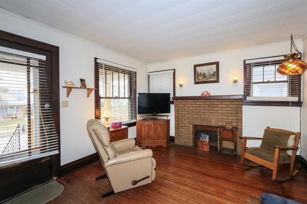Living Room for 3318 Watson Ave Covington, KY 41015