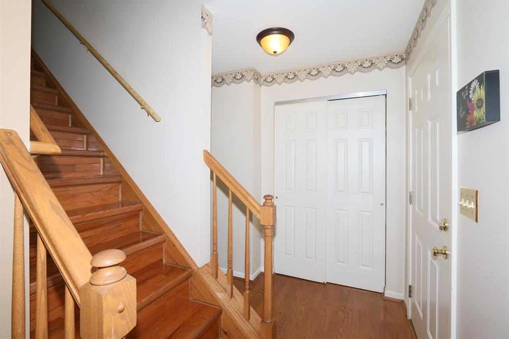 Foyer for 10778 Cypresswood Dr Independence, KY 41051