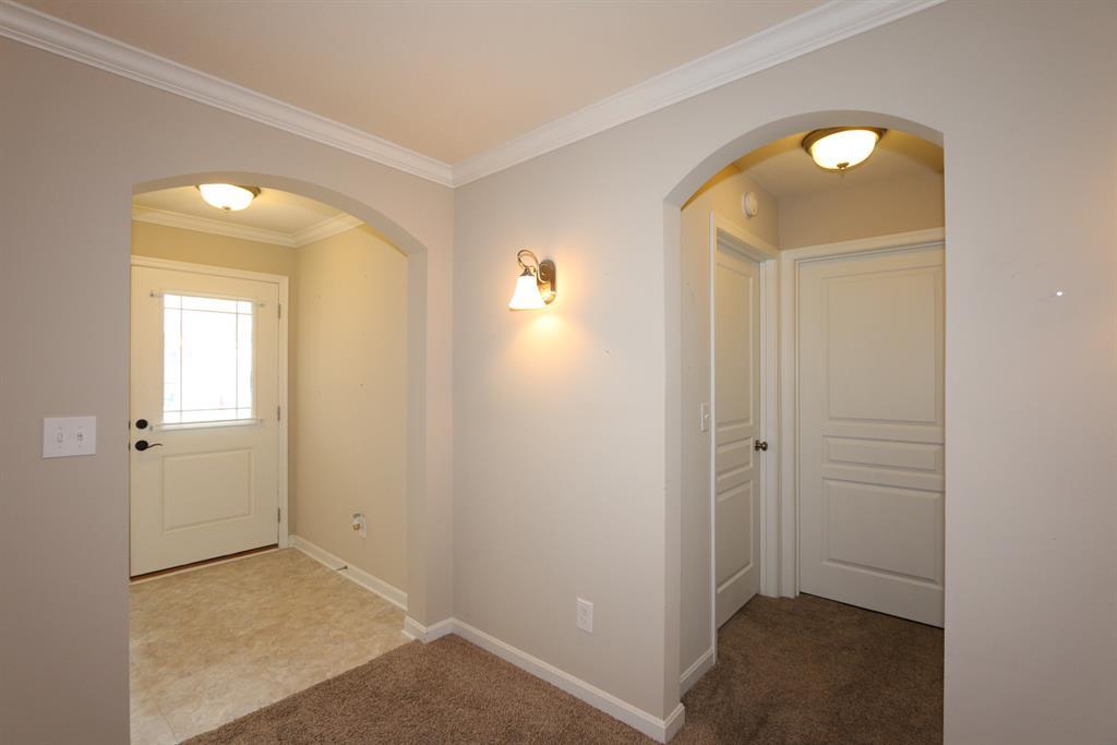 Foyer for 4140 Country Mill Rdg, 203 Burlington, KY 41005