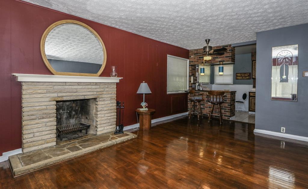 Living Room for 6417 Mona Lisa Ct Springfield Twp., OH 45239