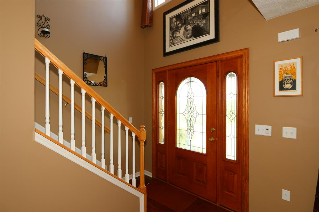 Foyer for 11150 Persimmon Grove Pike California, KY 41007