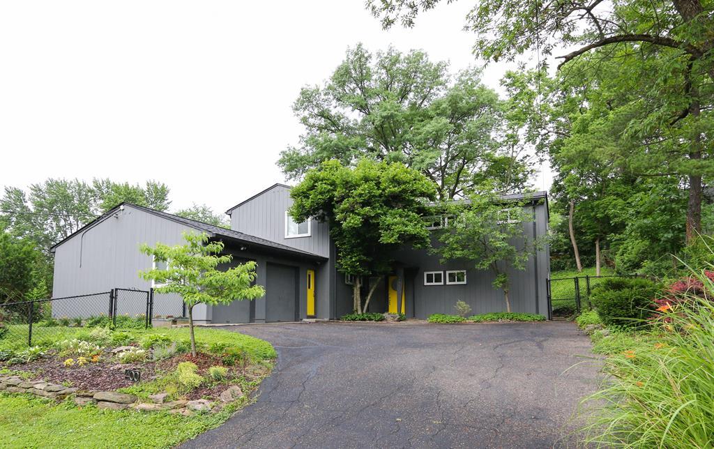 400 Rawson Woods Ln Clifton, OH