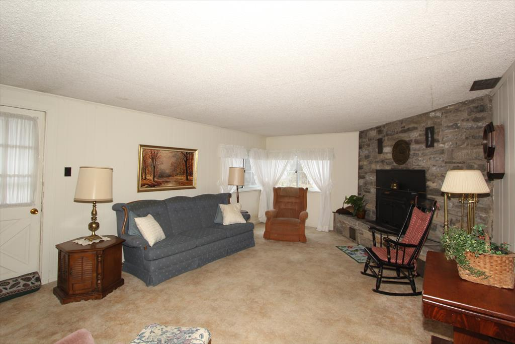 Living Room for 10478 Gunpowder Rd Florence, KY 41042