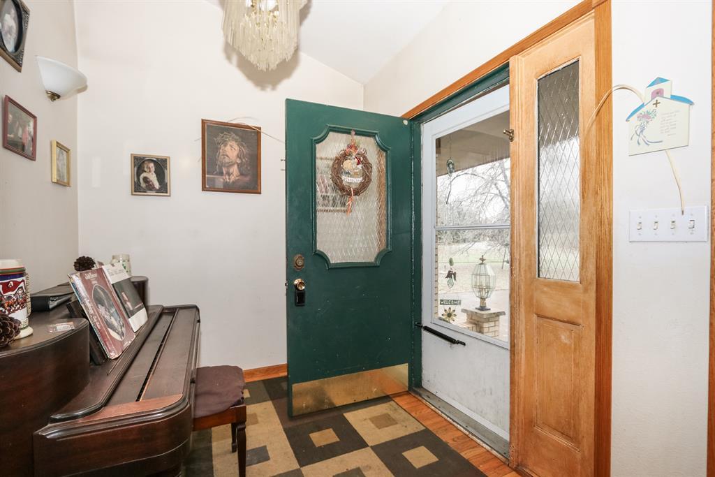 Foyer for 25606 Brightleaf Dr Bright, IN 47060