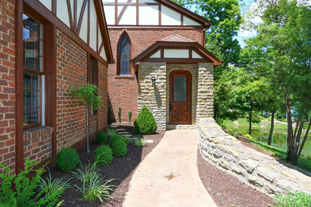 Entrance for 41 Leathers Rd Fort Mitchell, KY 41017