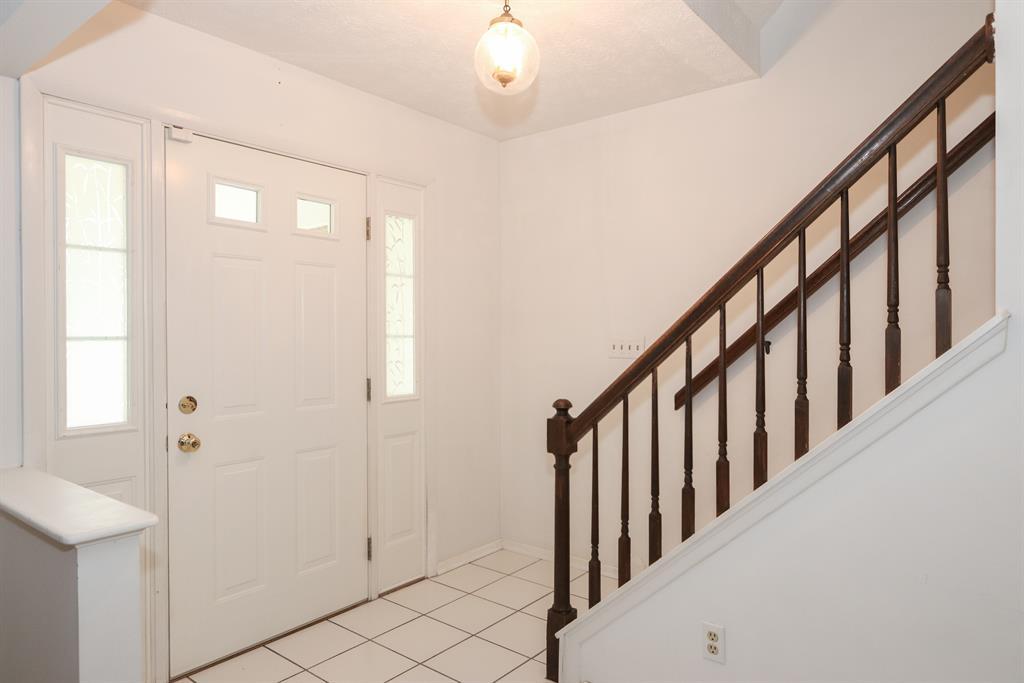Foyer for 5386 Talloak Ct Monfort Hts., OH 45247