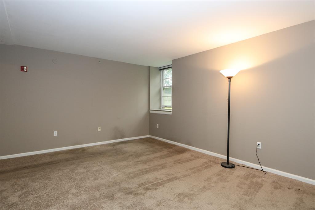 Living Room image 2 for 226 McDaniel St, 10 Dayton, OH 45405