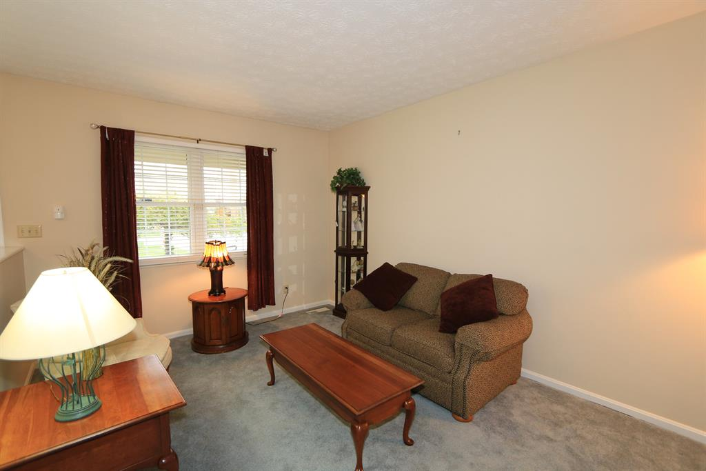 Living Room for 413 Shannon Dr Edgewood, KY 41017