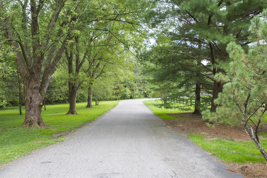 Drive for 742 Indian Hill Rd Terrace Park, OH 45174