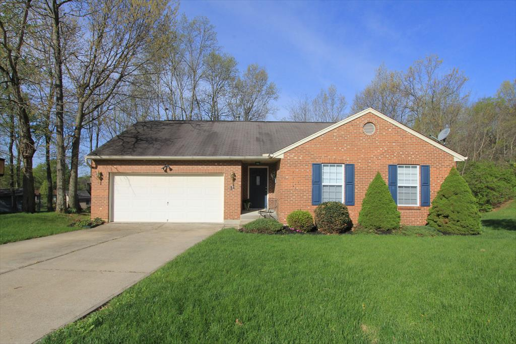 Exterior (Main) for 11 N Rosewood Ct Alexandria, KY 41001
