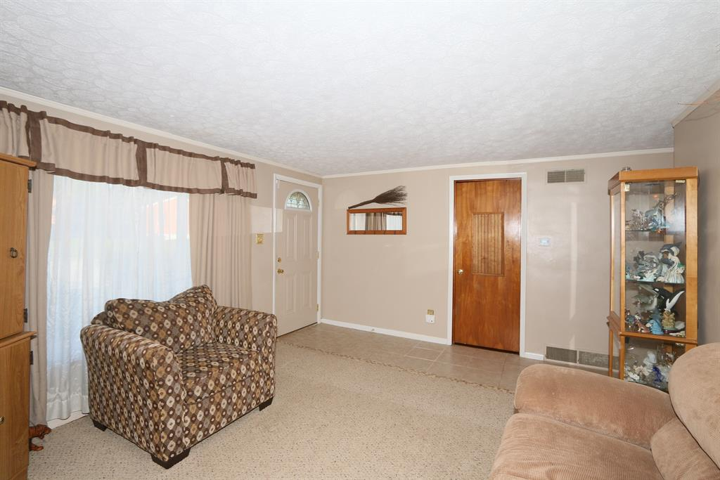 Living Room image 2 for 477 Cardinal Ct Erlanger, KY 41018