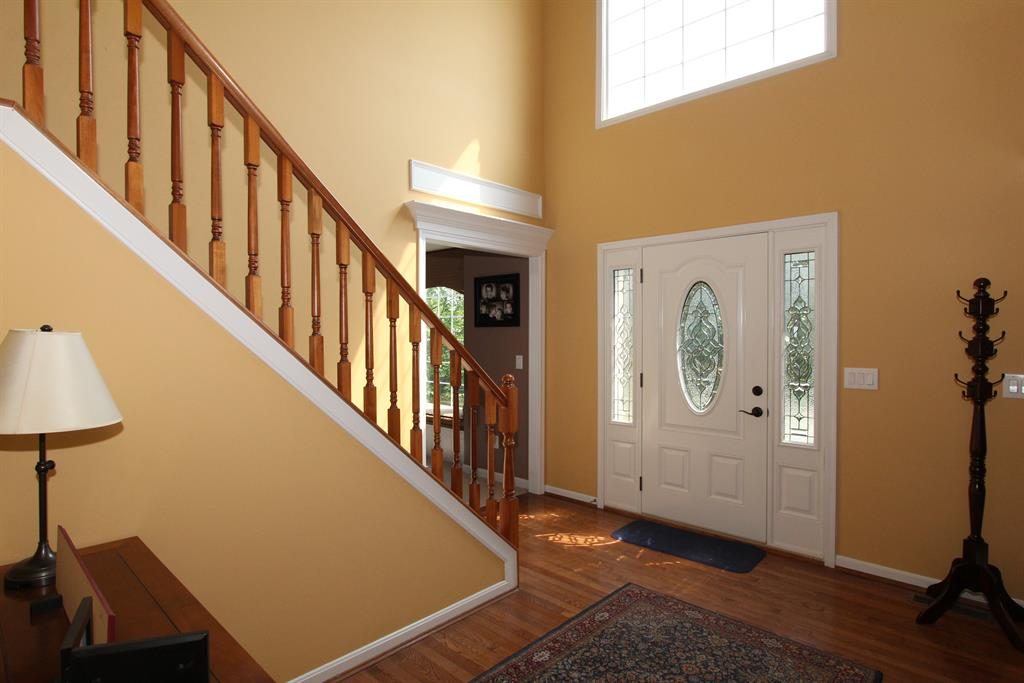 Foyer for 904 Ashridge Ct Erlanger, KY 41018