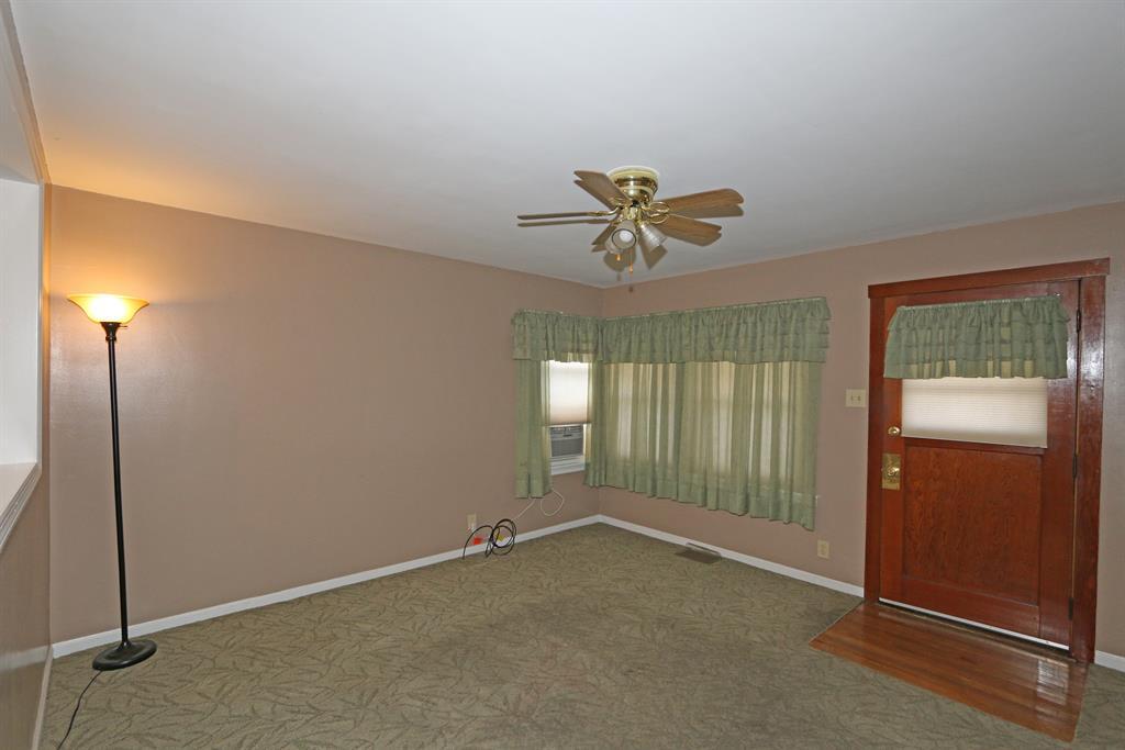 Living Room for 1211 Dayton Ave Dayton, KY 41074