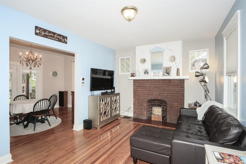 Living Room for 402 Clark St Bellevue, KY 41073
