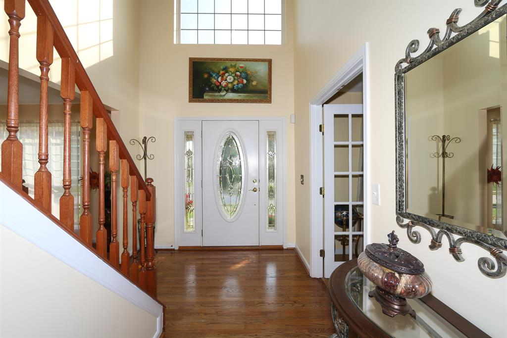 Foyer for 239 Ridgepointe Dr Cold Spring, KY 41076