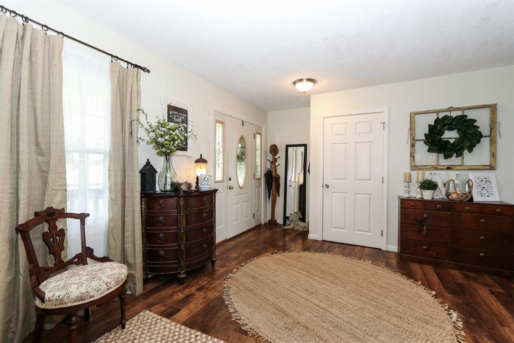 Foyer for 510 Eads Rd Crittenden, KY 41030