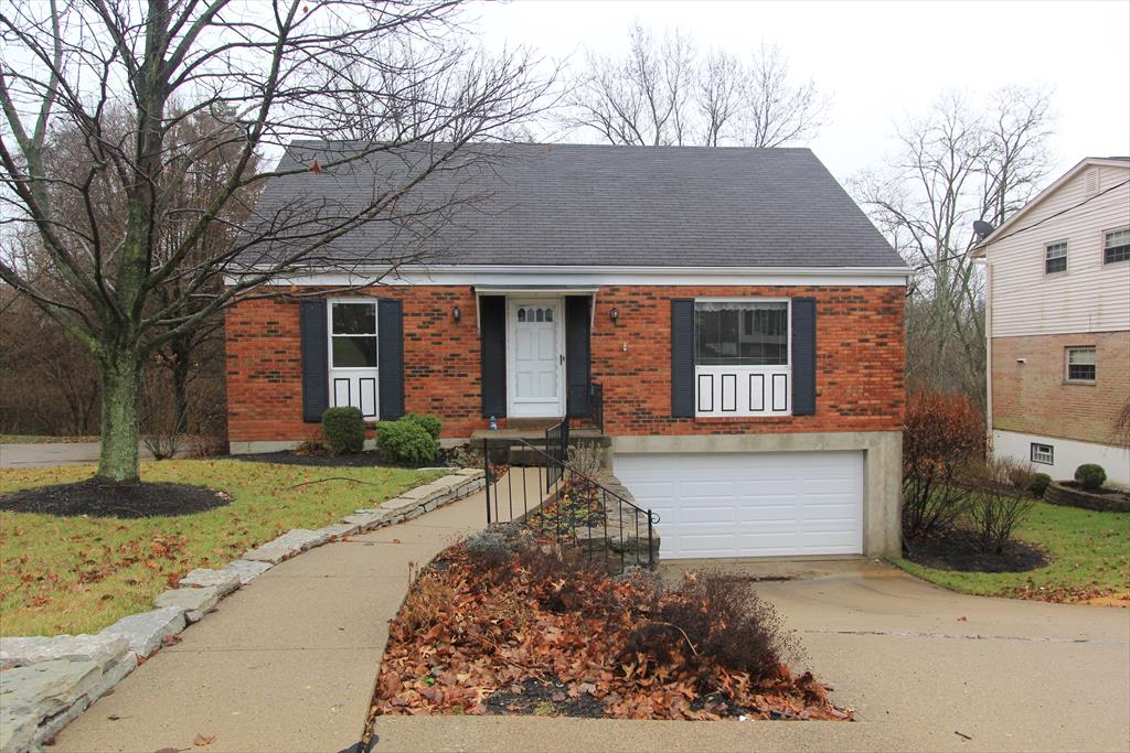 real estate photo 1 for 20 Stacy Ln Fort Thomas, KY 41075