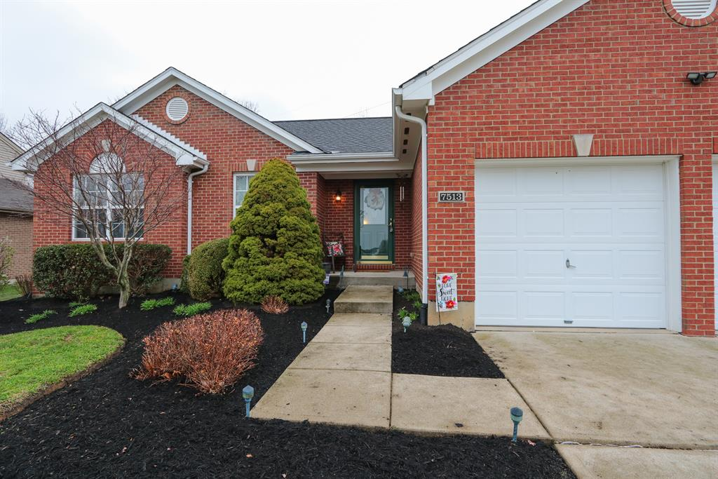 Entrance for 7513 Roxbury Ct Florence, KY 41042