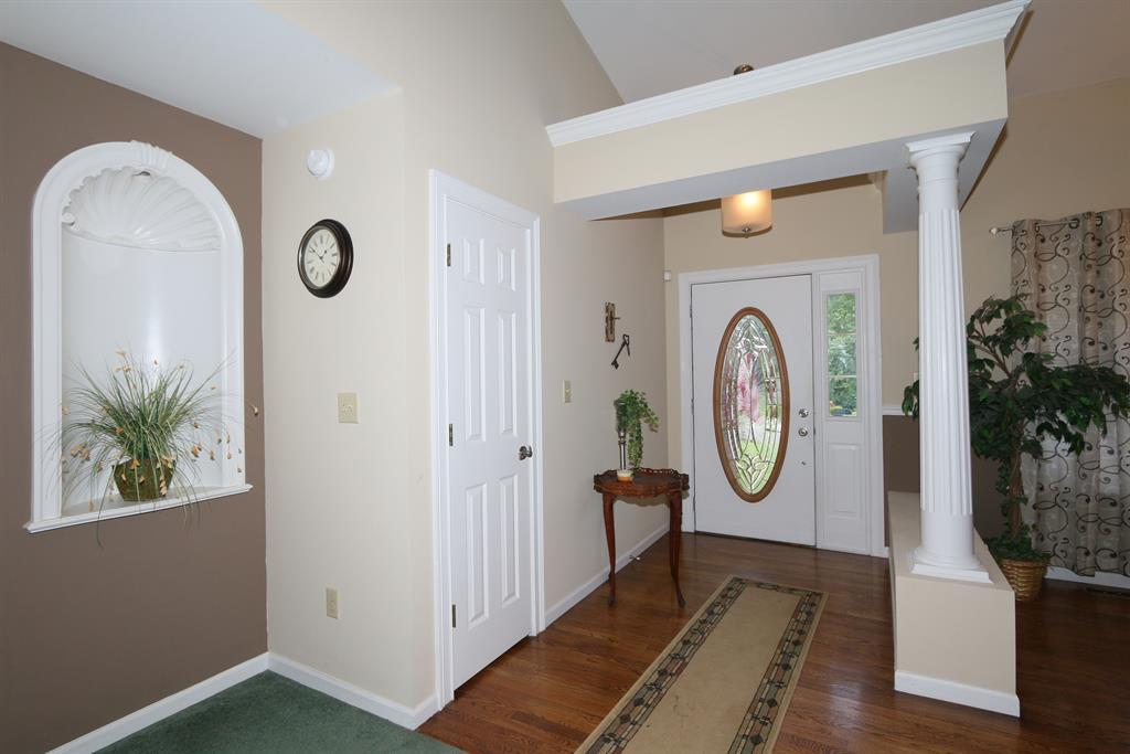 Foyer for 800 Timber Ln Independence, KY 41051