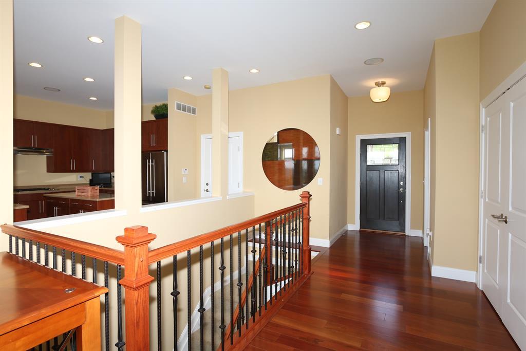 Foyer for 1238 Grays Peak Covington, KY 41011