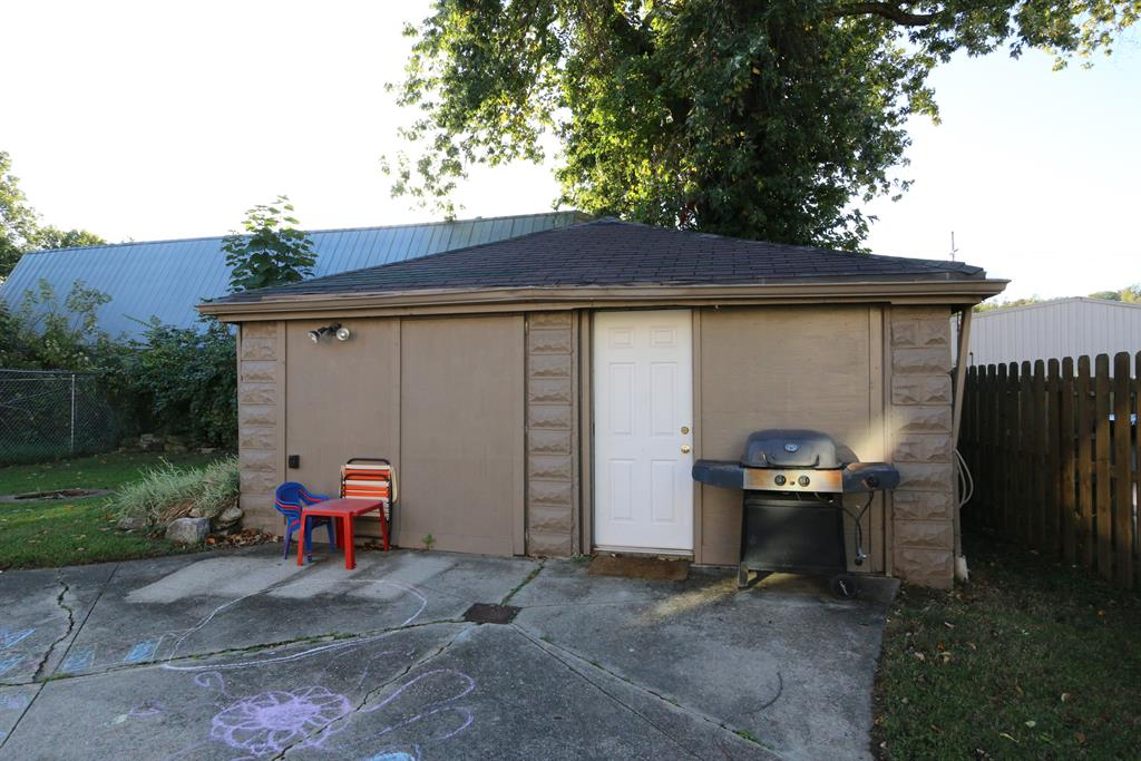Detached Garage for 312 8th Ave Dayton, KY 41074