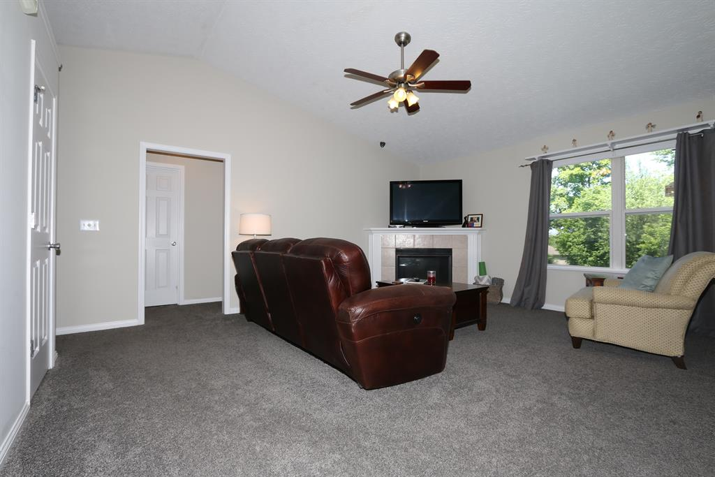 Living Room for 2202 Summerlin Covington, KY 41017