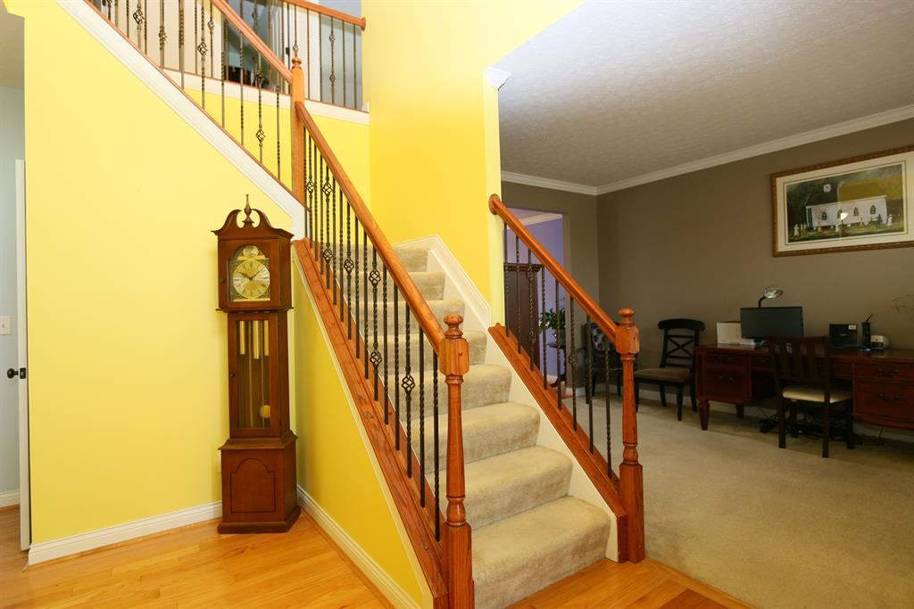 Foyer for 447 Spencely Ct Covington, KY 41015