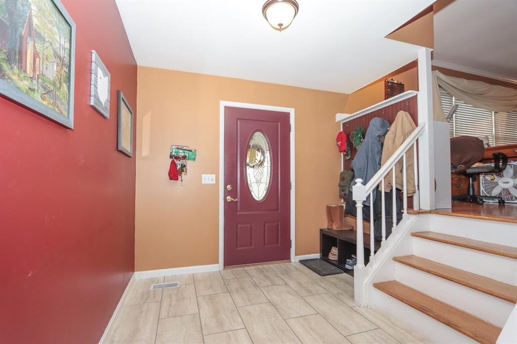 Foyer for 2657 Darke Ct Miami Twp. (West), OH 45233