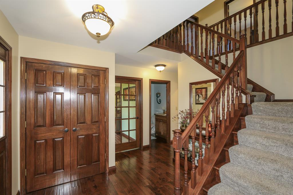 Foyer for 9840 Washington Trace Rd California, KY 41007