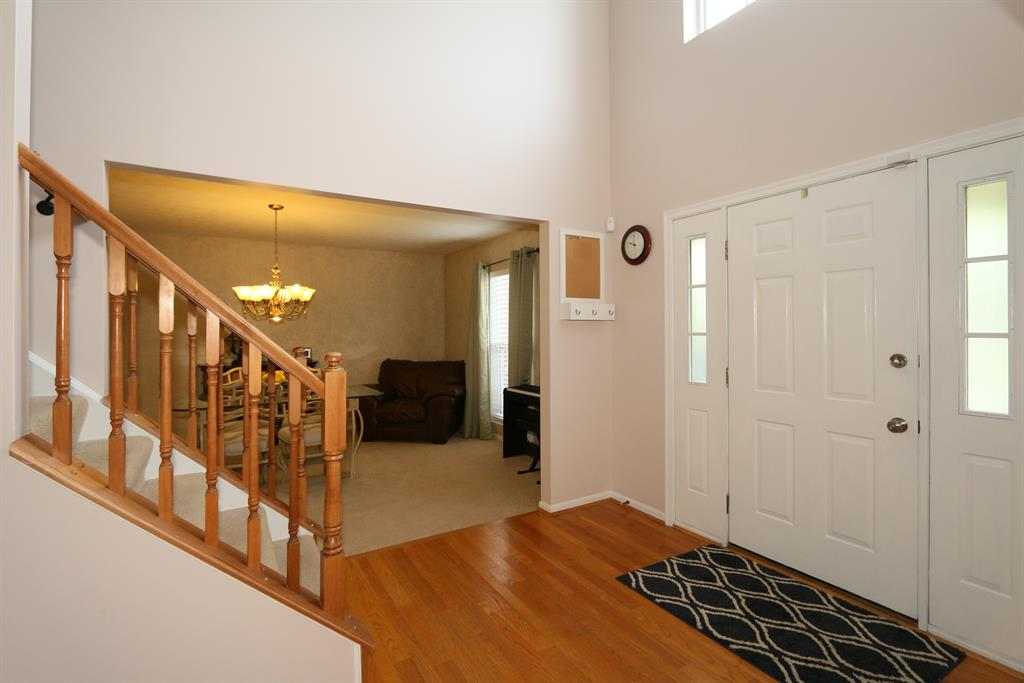 Foyer for 7105 Glade Ln Florence, KY 41042