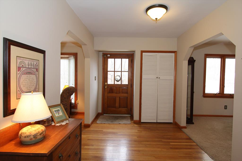 Foyer for 117 Beechwood Rd Fort Mitchell, KY 41017