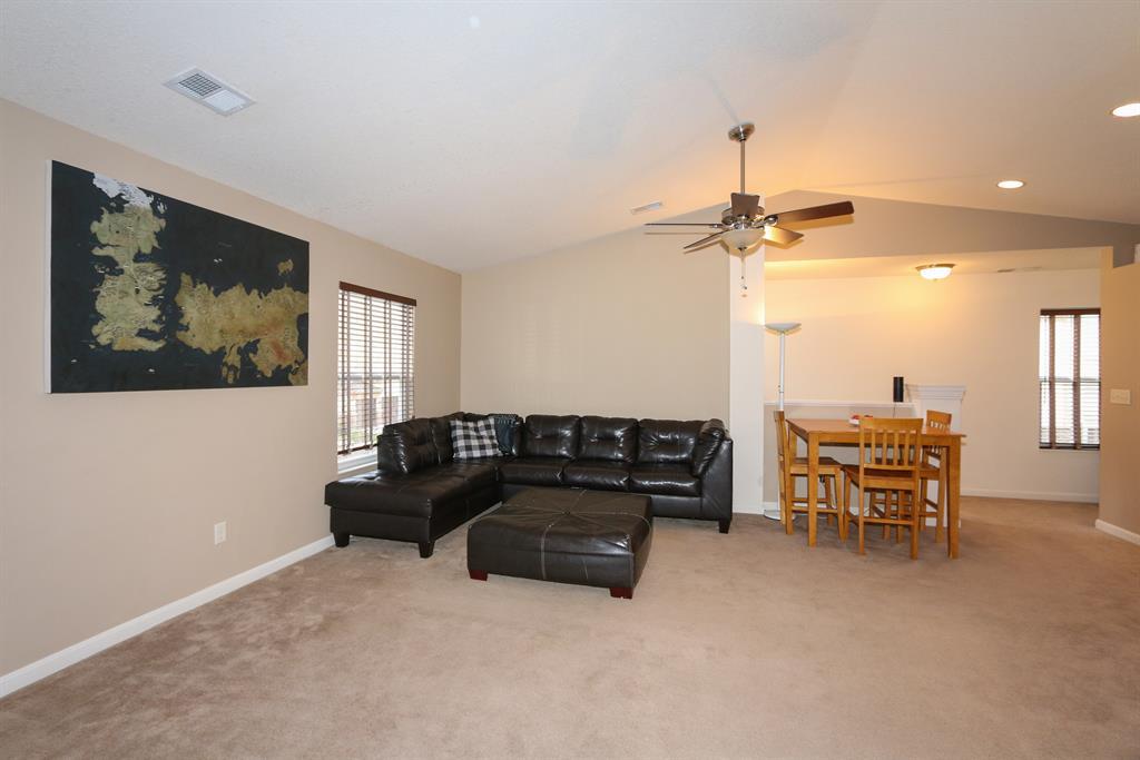 Living Room for 2367 Rolling Hills Dr Covington, KY 41017