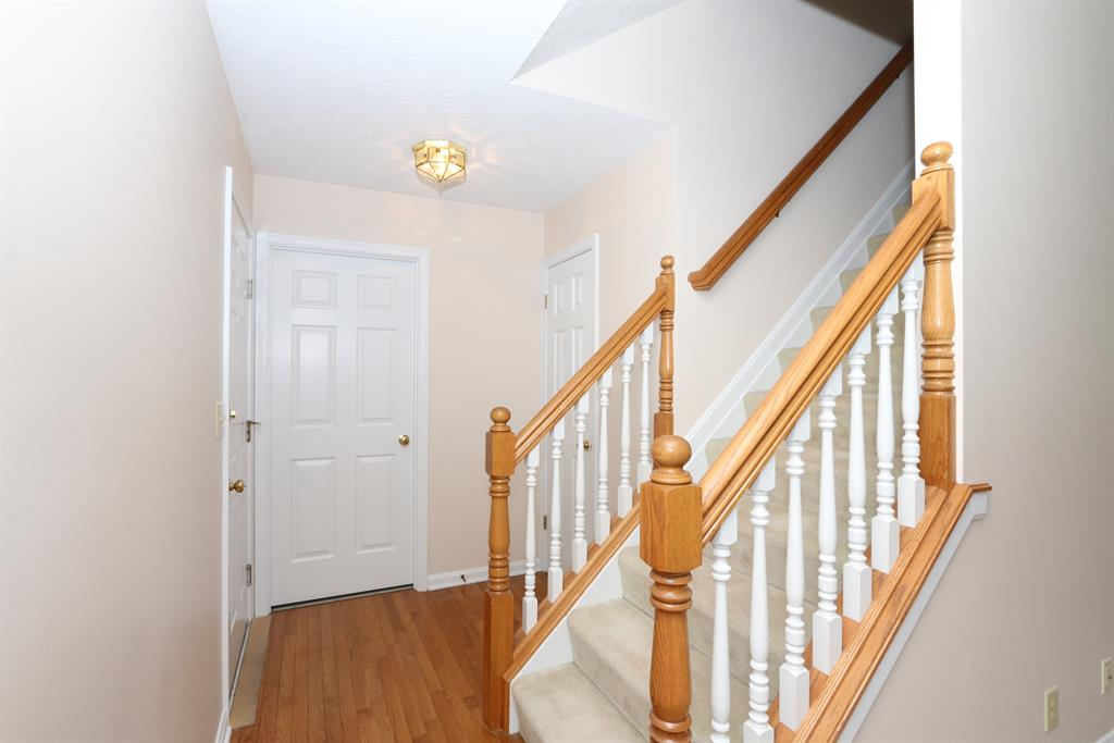 Foyer for 2711 Running Creek Dr Florence, KY 41042